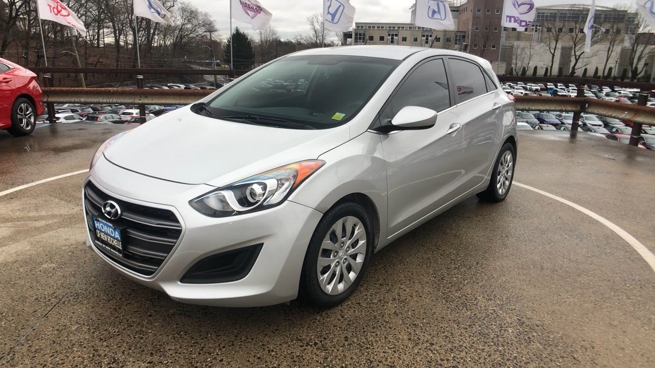 Pre Owned 2016 Hyundai Elantra Gt Base 4d Hatchback In New Rochelle Uc2205 Honda Of